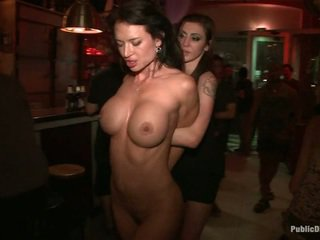 Penthouse pet franceska jaimes είναι publicly caned και πατήσαμε