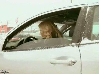 Söt tonårs blondin fucks gammal policeman