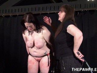 Alyss freaky lesbiete sadism un whipping līdz tears