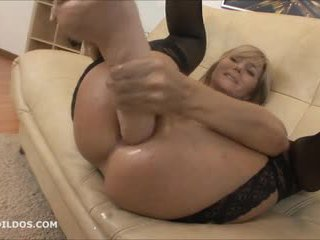 I madh brutale anale dildo dhe squirting