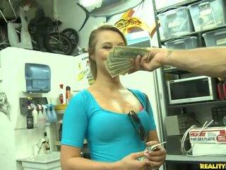 Jmac convinces lindsay для йти всі the спосіб для a гроші