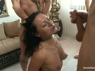 Sandra romain coquette है cumming drops से एक मसालेदार chaps