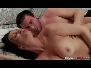 בוגר חם אנמא seduced על ידי son's חבר