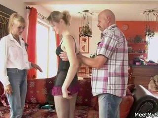 Viejo mamá y papá seducción y bang son's gf