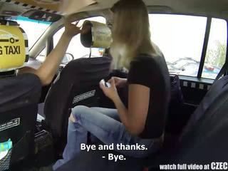 Ceco taxi bionda giovanissima gets corsa di suo vita