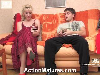 Silvia và maximilian khó chịu trưởng thành hành động