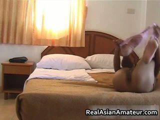 Asiática coño teases su cuerpo