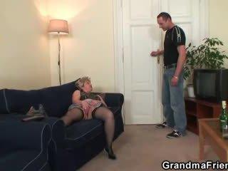 Nxehtë treshe orgji pas masturbim