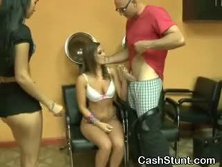 Amateur Sucking Dick During Stunt In A Hair Salon