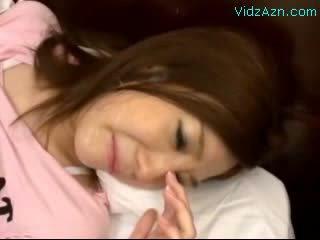 Virgin gaja a chorar enquanto cona fodido getting ejaculação na cara em o cama