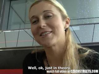 Чешки streets - блондинки милф picked нагоре на улица видео