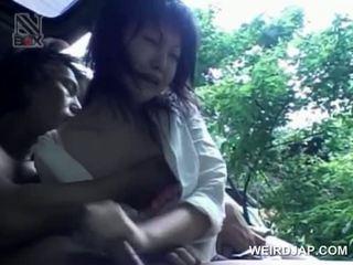 Azijke najstnice turned seks prisoner eats tič na knees
