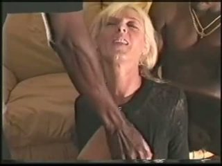 Äldre swinger hustru loves svart cocks video-