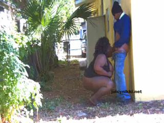BBW Shemale Juicy Nikki Outside Adventures