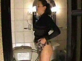 Piss; Teen in Toilets