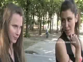 Sultry meisje is geneukt in een leash voor getting thrashed in een huis dat is renovated