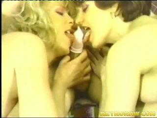 Ladyman seks bertiga