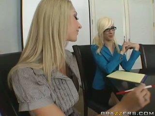 Sammie rhodes und madelyn marie's anschnalldildo und spielen anal video