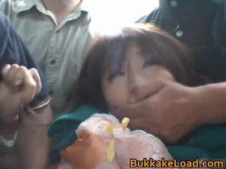 Babes hyväksikäytettyjen onto the bussi