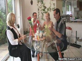 Awesome 3 mõned porno pidu juures tema birthday