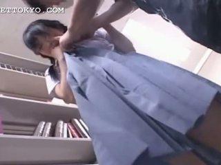 Félénk ázsiai koedukált getting punci nedves -ban neki