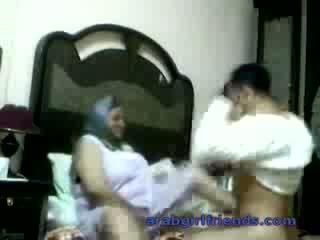 Potrebni arab par zasačeni fukanje s vohun v hotel soba