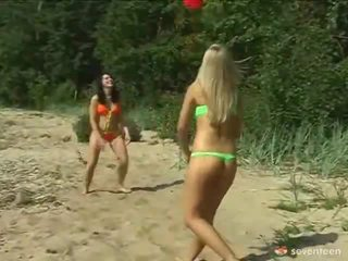Lezbiýanka jana legal age teenagers onto the seashore