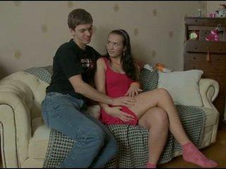 Jovem grávida estudante rides maduros pila