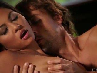номінальний жорстке порно, номінальний оральний секс, гаряча смоктати