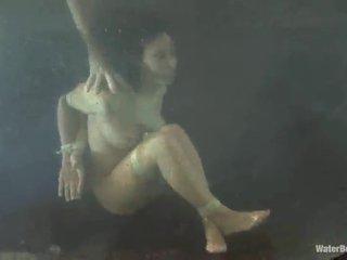 Megkötözés porn
