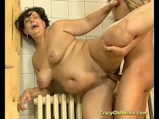 ब्रुनेट बस्टी पुराना मोम गड़बड़