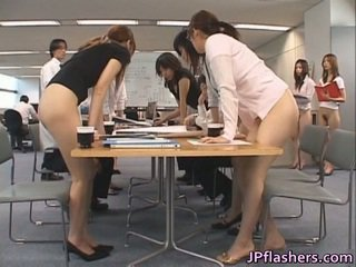 sexe publique, sexe de bureau, porno amateur, asiatique sont de véritables monstres
