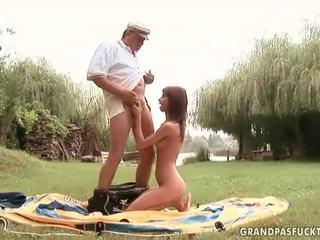 Grandpas и млад момичета секс