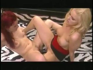 HAnnah Harper And Holly Hollywood Having A Double Dildo LesBian Actionion
