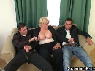 Trojček orgija s pijani babi