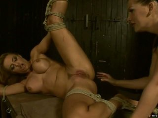 情婦 punishing 和 拳交 巨乳 slavegirl