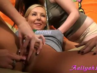Aaliyah amore got finger bang in tutto ragazze festa