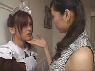 Asiatic lesbian servitoare