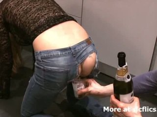 Fisting min girlfriends monster gaping drittsekk