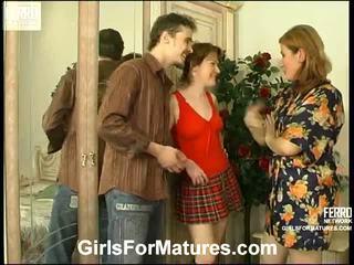 Elisabeth ninette anya -ban leszbikus akció
