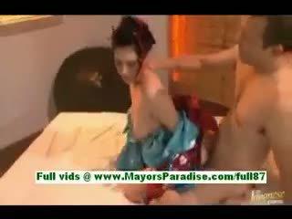 Saori hara חרמן אסייתי אישה ב מיטה gets a מציצות