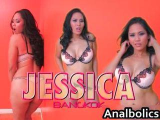 Aasialaiset lesbo pari kiss ja show pois