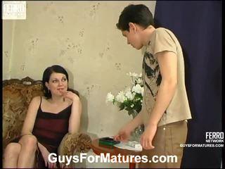 Flora και timothy απίστευτος μαμά onto βίντεο