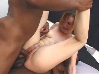 Бял милф gets screwed от two голям черни cocks