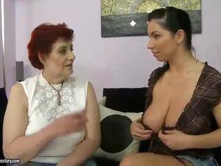 Grasso nonna e tettona giovanissima appreciating lesbo porno