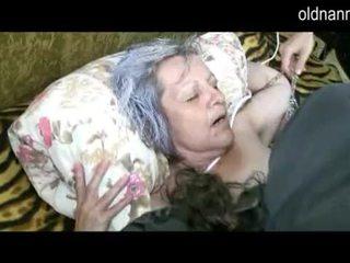Γριά γιαγιά πάρει μουνί licked με νέος guy