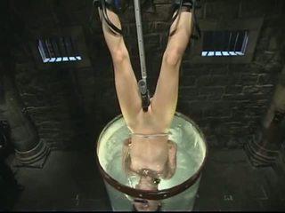 Bondage y agua tortura
