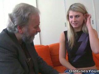 Neištikimybė vika fucks vyresnis guy