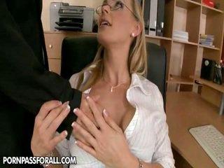 hardcore sex stor, kyssing, piercing ny