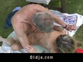 Oldje: gina gerson fucks äldre människa